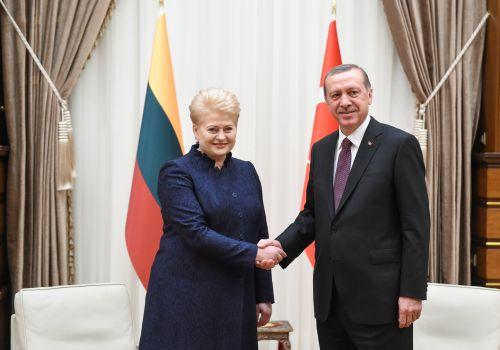 """Rusai pateikė įrodymus, kad """"Islamo valstybės"""" teroristus finansuoja NATO šalis Turkija"""