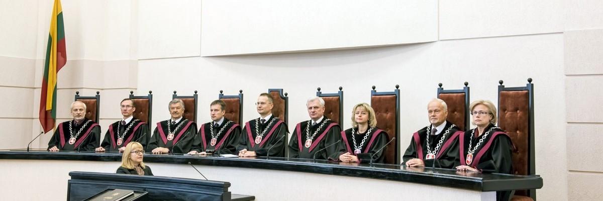 Lenkai sutvarkė beišsigimstančią niekieno nerinktą valdžios ataugą – mūsų Konstitucinio teismo analogą