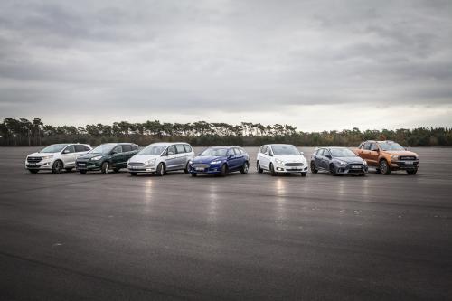 """""""Ford"""" didina visais ratais varomų modelių armiją"""