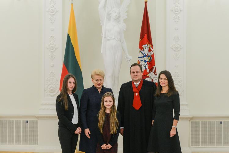 D.Grybauskaitė vadovauja visoms STT operacijoms – ar E.Pašilis išdrįs kelti jai bylą už politikų pokalbių paviešinimą? (pildoma)