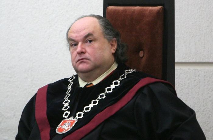 """Aukščiausiojo teismo nauja praktika – įkalinti nekaltus žmones užtenka """"patologinio melagio"""" parodymų"""