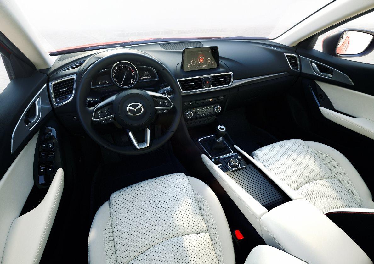 """2017 metų """"Mazda3"""" debiutuoja dar viena SKYACTIV šeimos technologija"""