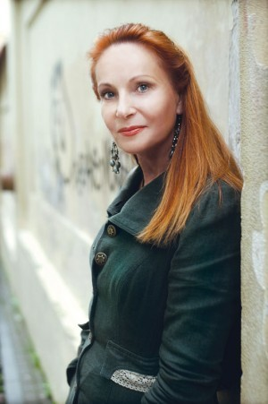 """Neringa Venckienė 2009 10 05 buvo teisėjų seminare: tačiau kodėl """"Kalės istorijoje"""" įrodinėjama, jog ji susijusi su žudynėmis?"""