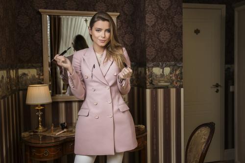 Stilistė G. Varnaitė: stilinga išlikti galima ir tą pačią suknelę vilkint kelis kartus