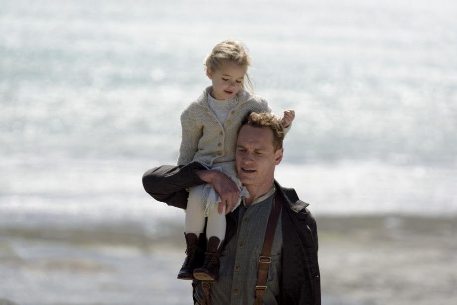 """""""Oskaro"""" laimėtoja A. Vikander apie vaidmenį """"Švyturys tarp dviejų vandenynų"""": paprasta moteris to neištvertų"""