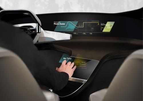 BMW inovacijos CES 2017: autonomiškų automobilių bandymai ir namus primenantis salono interjeras