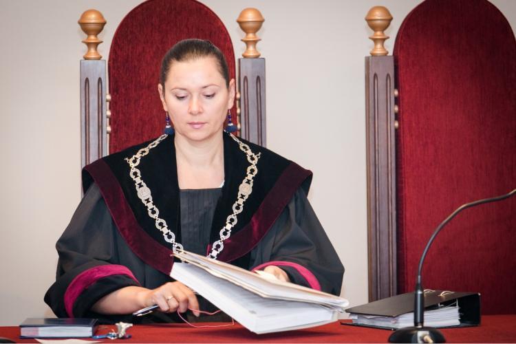 Prezidentei D.Grybauskaitei perduotas galbūt neskaidriai veikiančių teisėjų klasteris