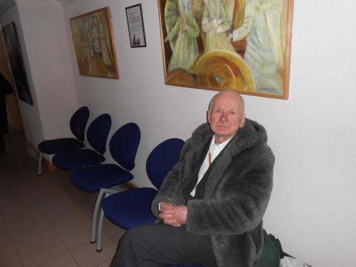 77 metų neįgalus senolis išmestas į gatvę