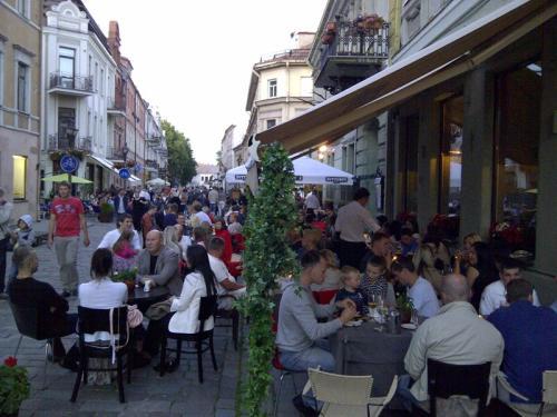 Miestų centrai – be alkoholiniais gėrimais prekiaujančių parduotuvių, kavinių ir barų?