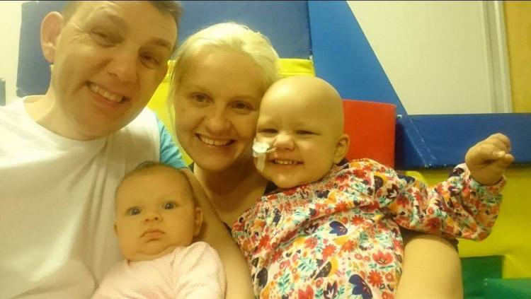 Lietuvos įžymybės kviečia padėti mažajai Gabriellai