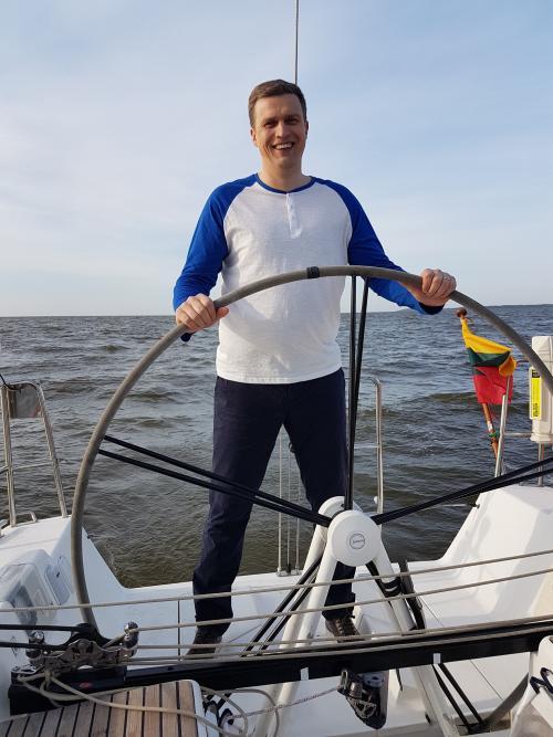Krepšinio rinktinės treneris Dainius Adomaitis tapo jachtos kapitonu