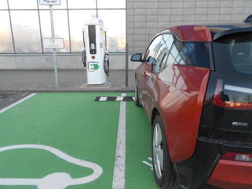 Išmanioji sistema autoPILDYK formuoja elektromobilių infrastruktūros praktiką