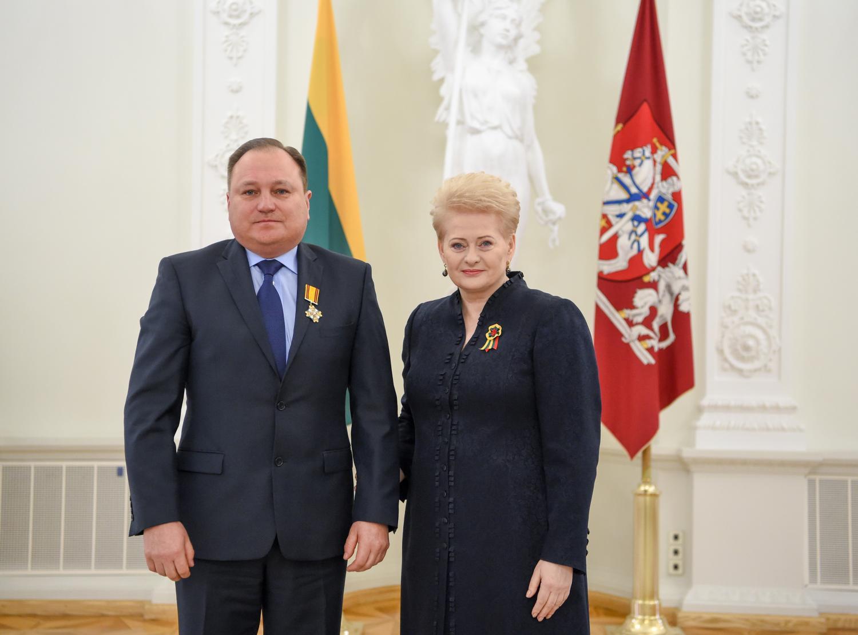 """Dalios Grybauskaitės nurodymas Vilniaus apygardos teismui : """"išnagrinėti Darbo partijos bylą kuo greičiau, nesvarbu, kaip"""""""