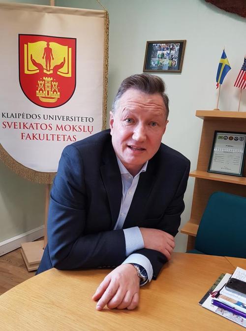 """Prof. dr. Artūras Razbadauskas: """"Mes negalime visą laiką gyventi mele ir neteisybėje, tai visuomet blogai baigiasi!.."""""""