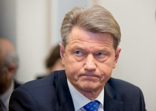 10 metų Briuselyje nieko neveikęs Rolandas Paksas staiga prisiminė Lietuvą