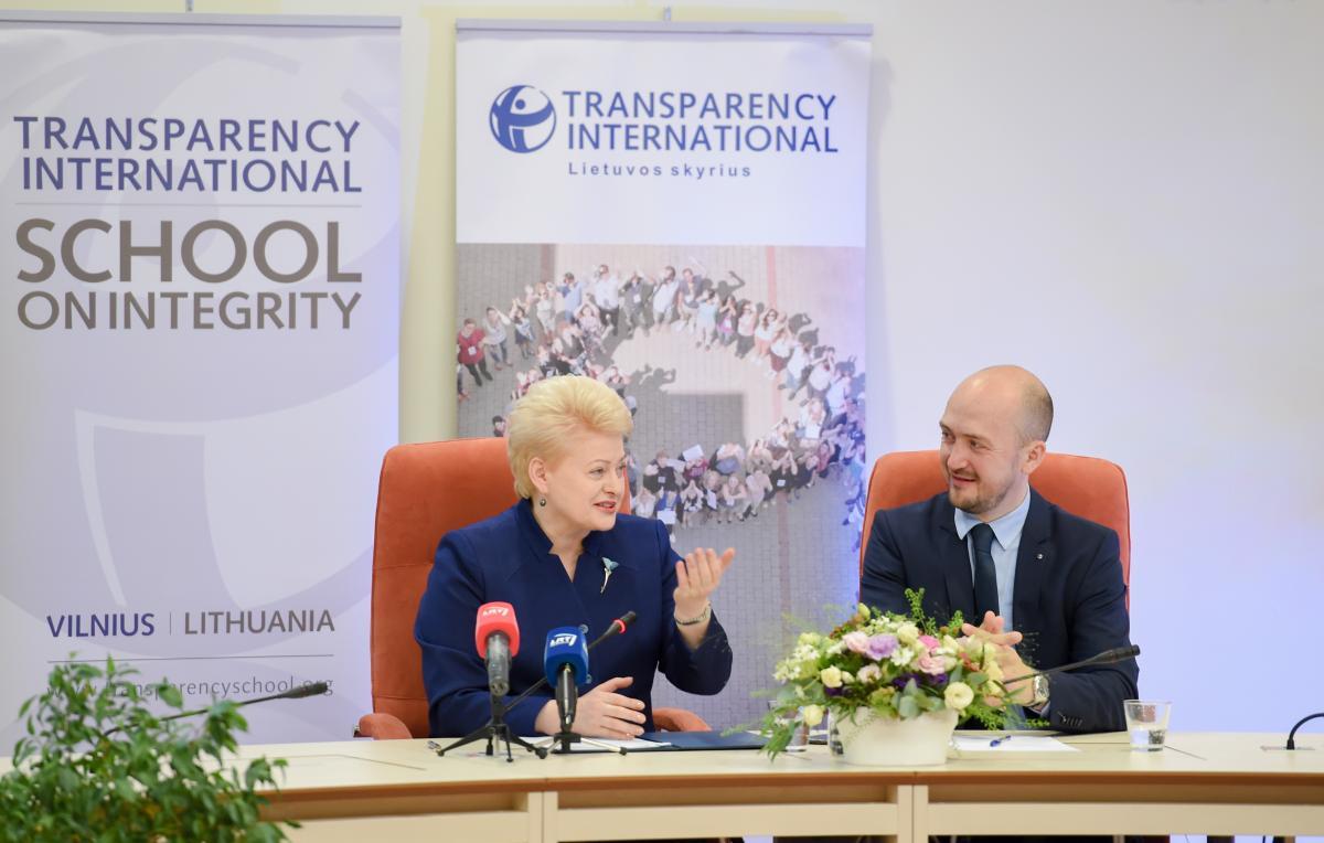 8 – eri D.Grybauskaitės valdymo metai. Ar atsiras kitas galintis išlaikyti tokį teisėsaugos korupcijos lygį?