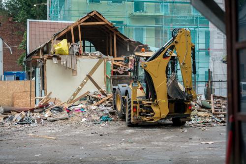 Kaunas toliau tvarkosi: pradėti griauti nelegalūs pastatai senamiestyje