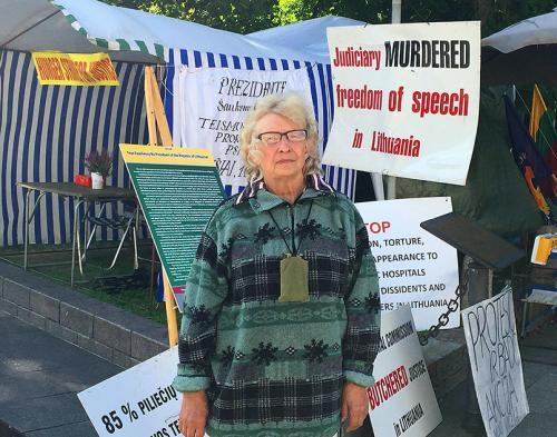 D.Grybauskaitė taip bijo bado akcijos dalyvių, kad net nepasirodė savo organizuotoje vaikų šventėje Daukanto aikšėje