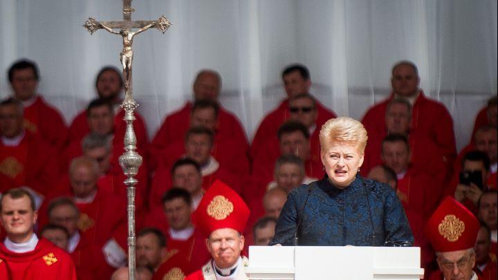 """Kunigas A.Bulotas : """"Palaimintojo  arkivyskupo  T.Matulionio  paskelbimo  dieną  ir  komunistai  iš  tribūnų  kalbėjo, kad jis  mūsų"""""""