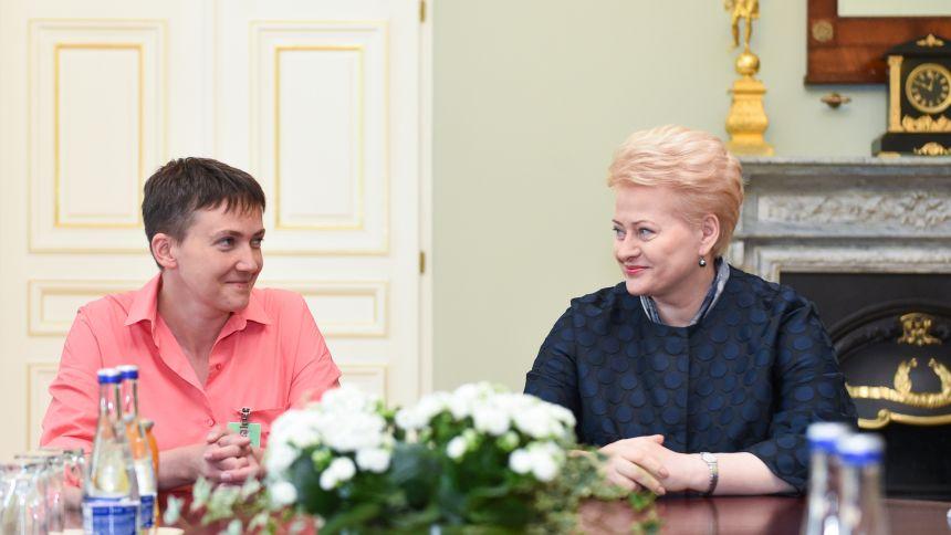 Nadia Savčenko : JAV leido Sakašviliui daryti dar vieną kruviną maidaną