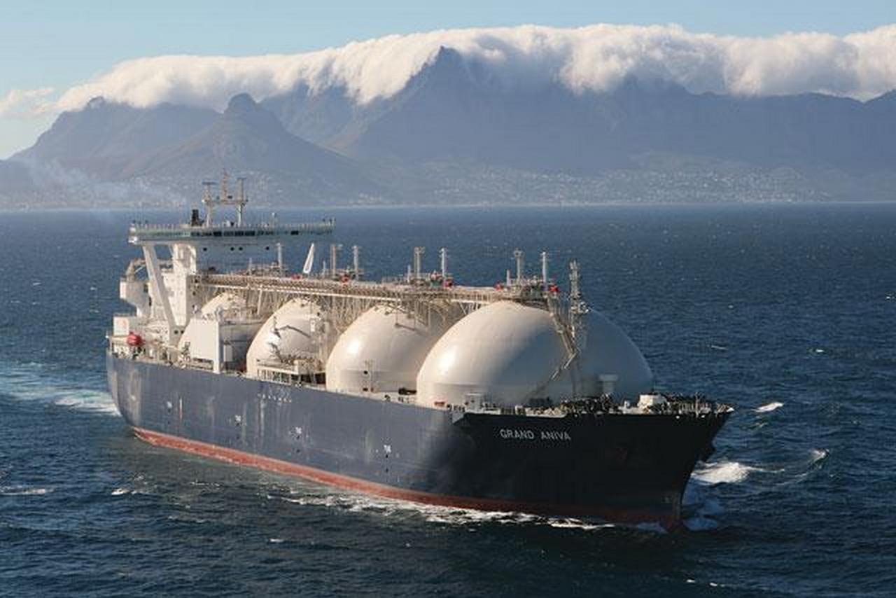 """""""Amerikietiškos"""" suskystinos gamtinės dujos atkeliauja iš Rusijos"""