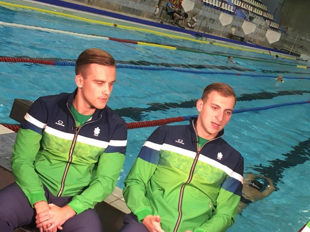 """Vandensvydininkai R. Jakutis ir P. Vadvilavičius: """"Nesustodami galėtume vardinti šio sporto privalumus"""""""