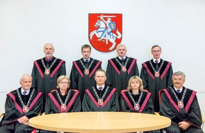 """Kaip Aukščiausiojo teismo pirmininkas ir dabartinis Konstitucinio teismo teisėjas V.Greičius ėmė kyšius ir į atsakingus postus """"prastūminėjo"""" savo giminaičius"""