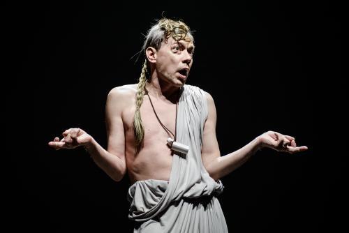 """Gytis Ivanauskas apie naująjį vaidmenį Keistuolių teatro """"Heraklyje"""": """"Su kolektyvu juokiamės, kad man visai nereikia vaidinti"""""""