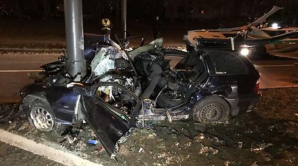 Avarija Kaune – policija vijosi nestojusį BMW, tačiau kodėl į avarijos vietą atvyko tik po kelių minučių?