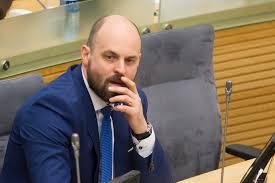 Keletas klausimų tylinčiam  Seimo nariui Laurui Stacevičiui