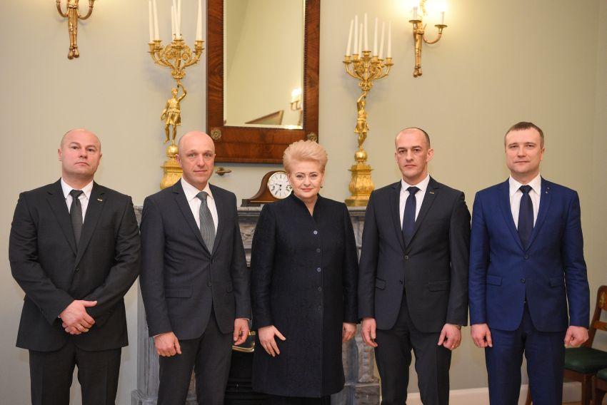 Prezidentė STT šefu paskyrė Žydrūną Bartkų, 7 metus dengusį policijos organizuotą narkotikų prekybą Šiauliuose