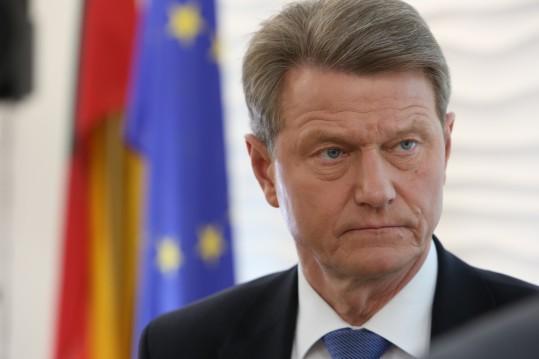 Fake news Lietuvoje arba kodėl jie bijo Prezidento Rolando Pakso?!..