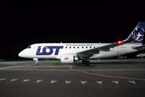 """Nauja Kauno oro uosto era: """"LOT"""" pradėjo skrydžius į Varšuvą"""