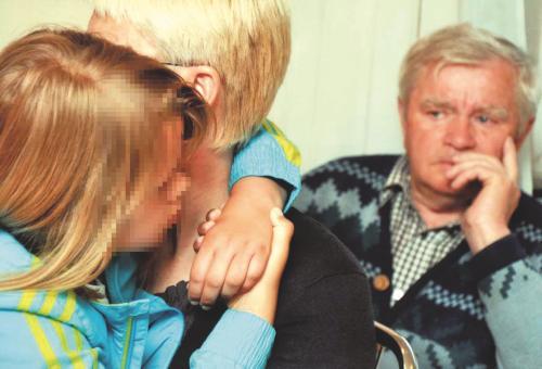 Nuosprendis Laimai Kedienei – nuteista už tai, kad bjaurėjosi anūkę prievartavusiais pedofilais