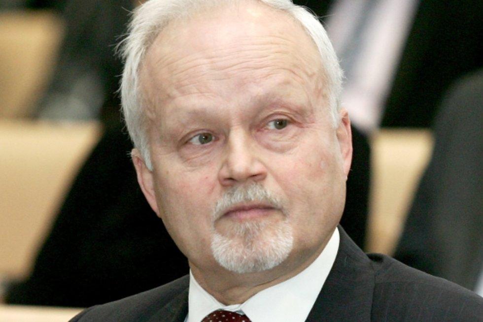 Konstituciniame teisme – korupcijos skandalas (šis teismas turėjo paskelbti, kad pensijų reforma neatitinka Konstitucijos – tokį sprendimą per Gabrielių Landsbergį užsakė pensijų fondų asociacija)