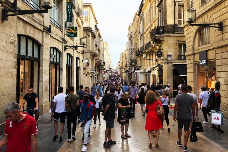 Gaivaus oro gurkšnis keliautojams: kaip juoduoju miestu pramintas Bordo tapo Prancūzijos elegancijos simboliu?