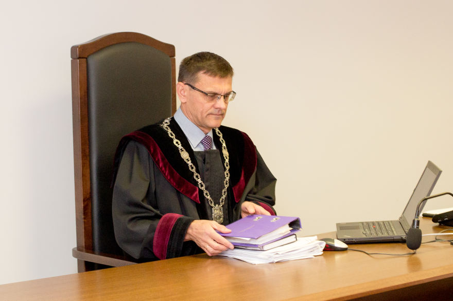 """Teisėjas Pašvenskas: 'Seimas yra aukščiau įstatymų ir neprivalo jų vykdyti"""""""