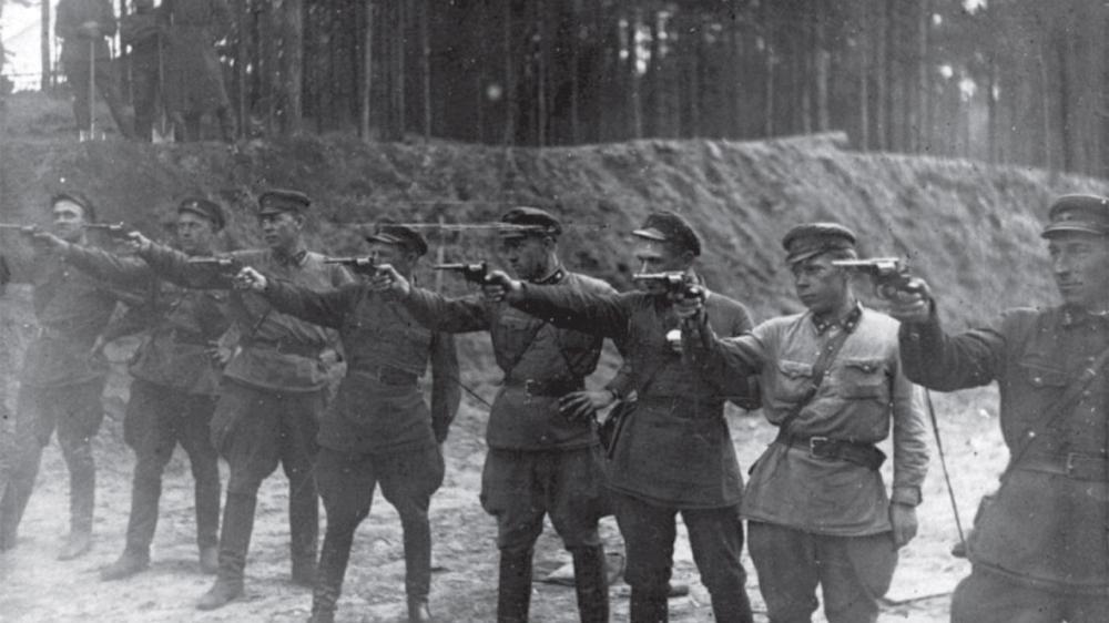 Raudonosios armijos nusikaltimai Lietuvoje: žmogžudystės, prievartavimai, plėšimai. Prieš 25 metus pasitraukė Lietuvą siaubusi okupacinė kariuomenė