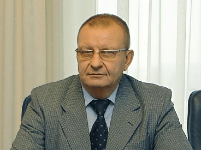 Buvusio Kriminalinės policijos vadovo A.Matonio brolis Juozas Matonis su bendrininkais reideriavimo (sukčiavimo) būdu užvaldė didelės vertės turtą