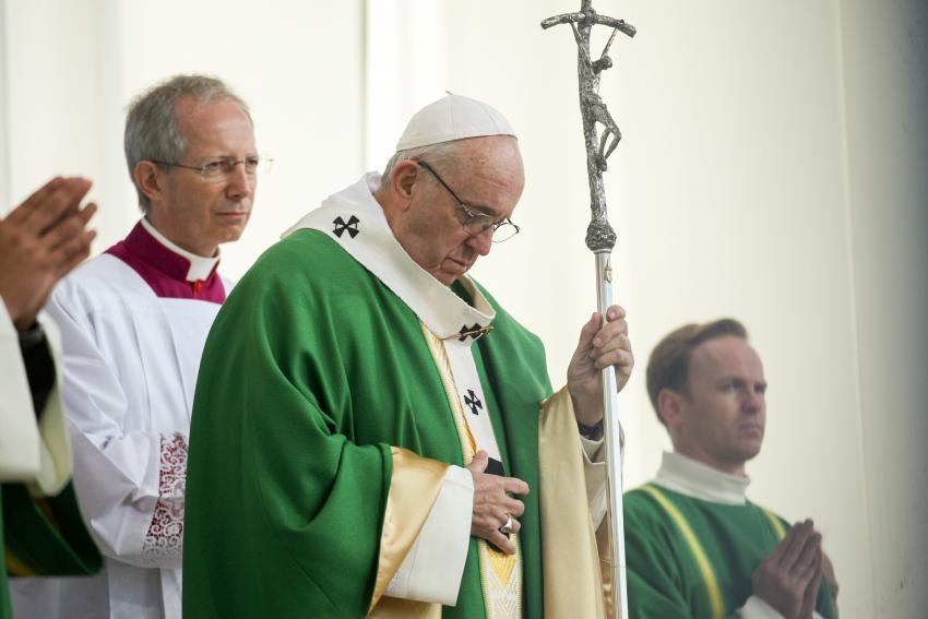 Popiežius Pranciškus pagerbė Lietuvos Holokausto aukas Vilniaus geto teritorijoje