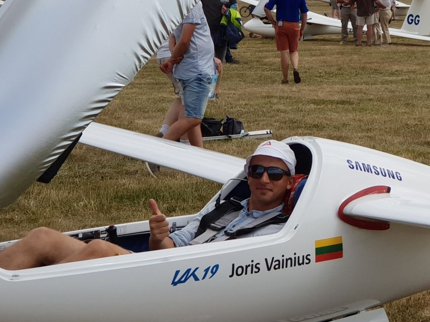 """Pasaulio jaunimo sklandymo čempionato prizininkas J. Vainius: """"Neatsargumas gali lemti labai daug"""""""