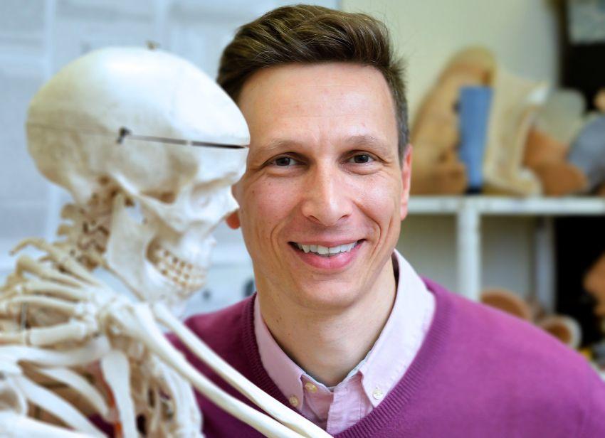 Traumos biomechanikos profesorius iš Šveicarijos atskleidė, kaip gali atrodyti ateities automobiliai