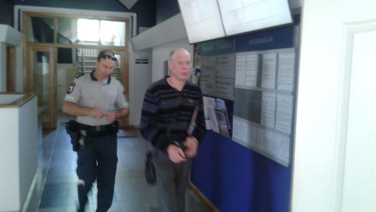 Įkalintas įmonės vadovas, kuris bandė išsaugoti savo bendrovę nuo aferistų (pildoma)