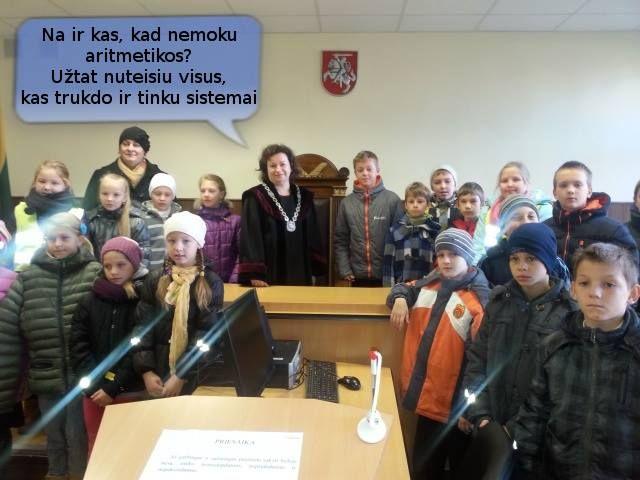 Buvusi policininkė Lidija Deksnienė, tapusi teisėja, išmetė keturis vaikus su mama į gatvę