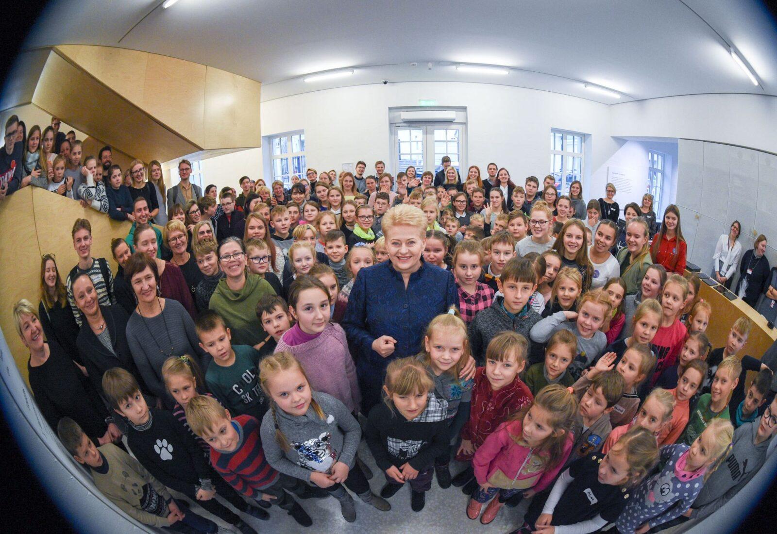 Vaikų grobimo įstatymo autorė – pati Dalia Grybauskaitė (pildoma)