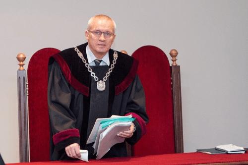 Vilniaus apygardos teismo pirmininko S.Lemežio padarytos girtos avarijos byla sunaikinta teisme
