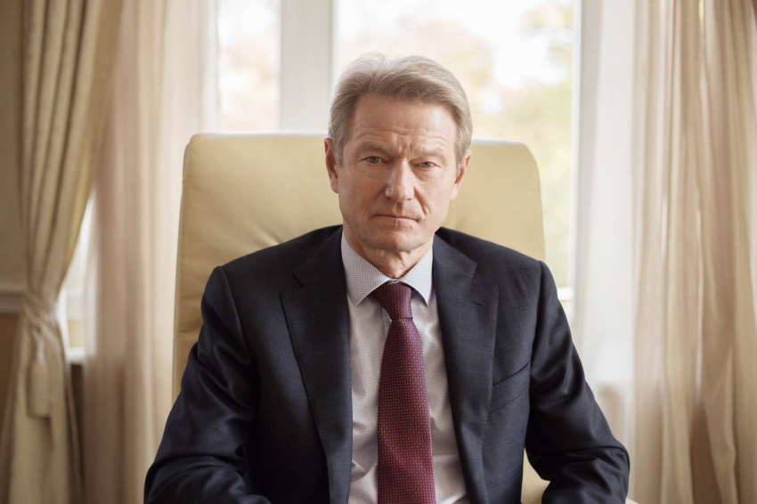 """Prezidentas Rolandas Paksas: """"Laisvus, demokratiškus rinkimus imituojantis rinkimų farsas Lietuvoje man primena lėlių teatrą!.."""""""