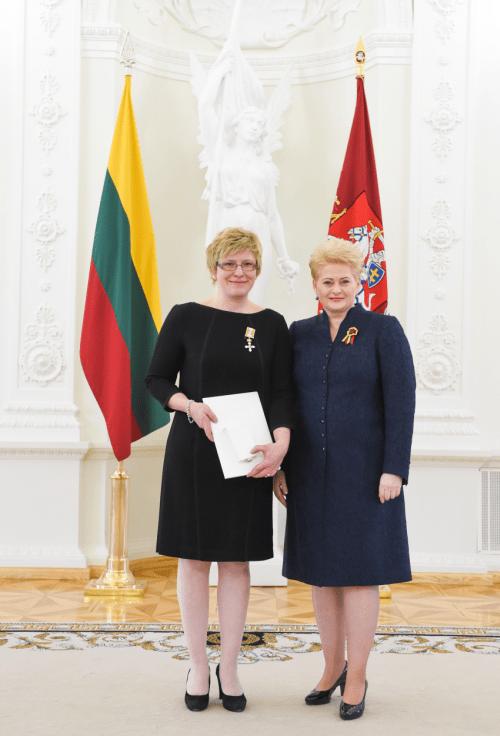 """Valstybės kontrolė : I.Šimonytė slapta organizuodavo """"privačius sandorius"""" su Dalia Grybauskaite dėl 12 proc. palūkanų valstybės obligacijų pirkimo (pildoma)"""