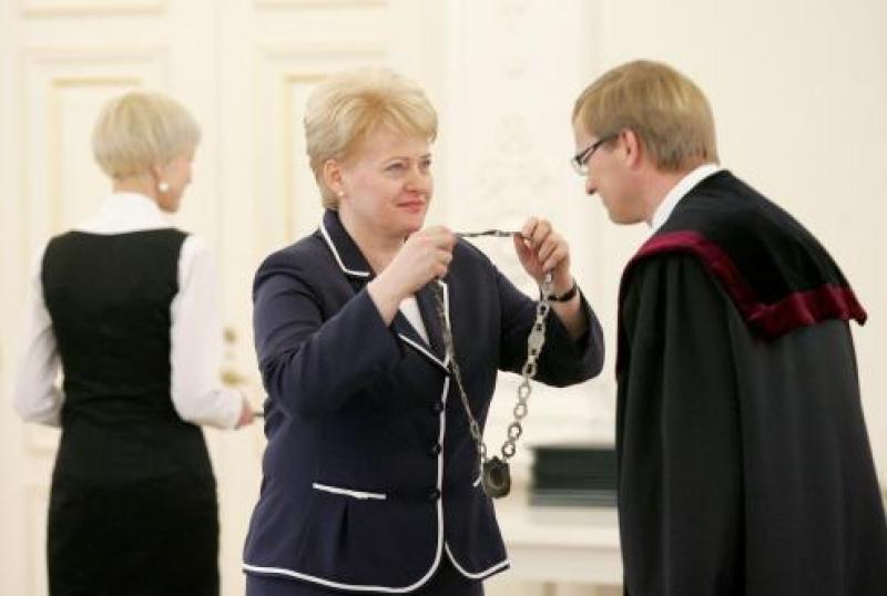 """Seimo ultimatumas """"nepriklausomai"""" teismų gaujai"""
