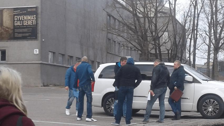 18 ekskomisarų – narkobaronų siūloma iki 18,5 metų kalėjimo